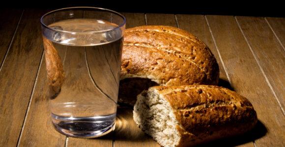 postul cu paine si apa pentru intarirea spirituala